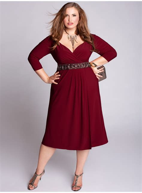 Find the latest styles in plus size clothing for women at dressbarn