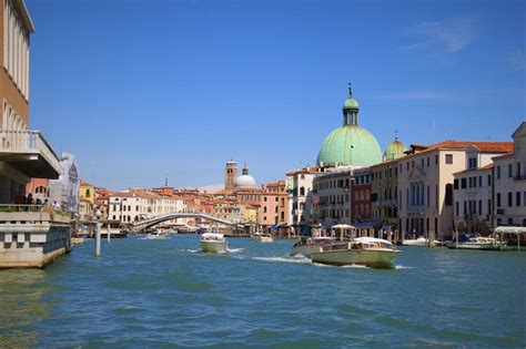 grand canapé droit the grand canal in 28 seconds venice italy two up riders