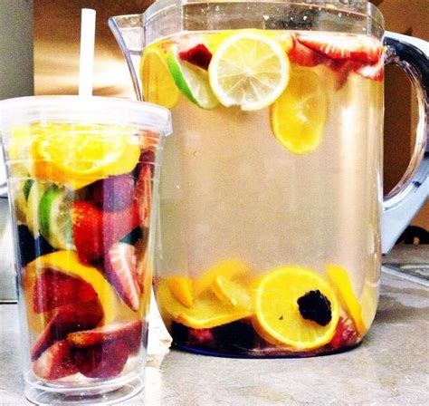 Detox Water With Raspberries And Blackberries by 10 Detox Water How They Will Keep You Glowing Trusper