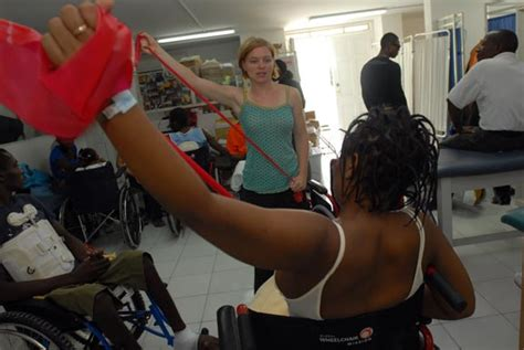 taking a stretch volunteers work with spinal cord injury patients project medishare