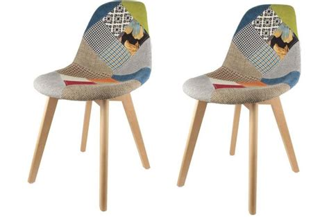 Impressionnant Meubles Scandinaves Pas Cher #3: lot-de-2-chaises-scandinaves-patchwork-colores-olfus-design_182058_680x450.jpg