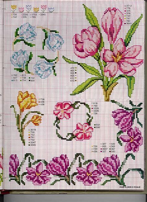 schemi di fiori a punto croce schemi fiori spunti e creazioni