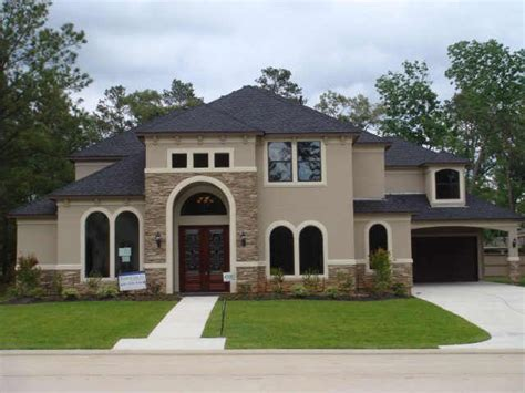 best 25 stucco house colors ideas on best front door colors house colors inside
