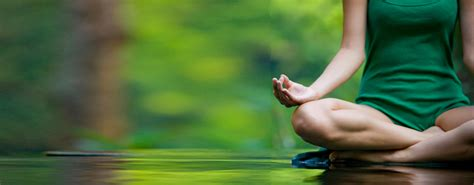 imagenes de hot yoga meditaciones en una clase de yoga catalina aristizabal