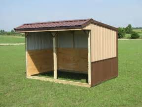 run in shed with tack and with feed room