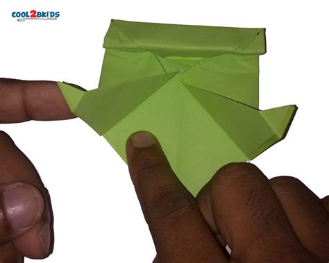 How To Make A Paper Frog Tongue - how to make an origami frog in 17 easy steps cool2bkids