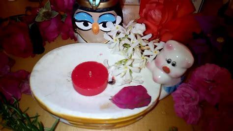candela rossa magia magia rossa rito di con candela rossa e petali di