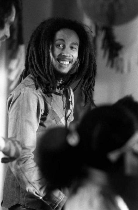 bob marley illustrated biography 202 best images about could you be loved bob marley on