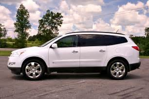 2009 chevrolet traverse late to the or right in time