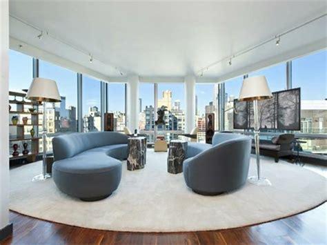 petits appartements 224 new york un salon moderne baign 233 par la lumi 232 re naturelle design