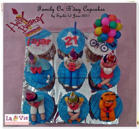 Kertas Kado Sansan Wawa Happy Day la vie cakes cookies family on b day cupcakes for fajar