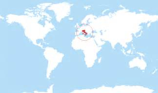 where is italy located on the world map