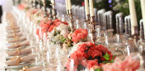 banchetto di nozze banchetto di nozze servito a tavola o a buffet
