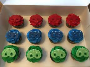 pj masks birthday cake with coordinating cupcakes cakecentral com