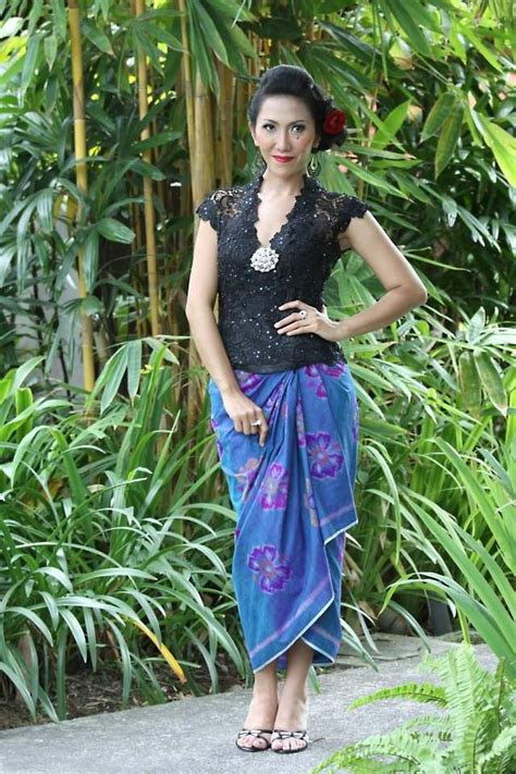 Blus Kimono Kain Jarik 1000 ideas about kebaya brokat on kebaya