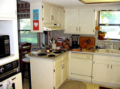 refaced kitchen cabinets kitchen cabinets refacing how to do it on your own