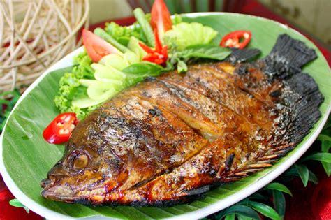 resep dan cara membuat umpan ikan mas resep praktis membuat ikan mas bakar kumpulan resep