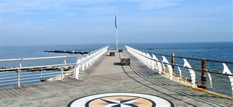 adriatico pesaro vacanze al mare a pesaro facciamo un giro in citt 192 mare