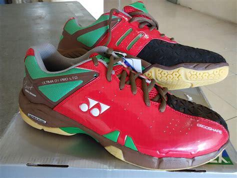 Daftar Sepatu Badminton Profesional jual sepatu badminton yonex ultima 01 pro ltd elyassport