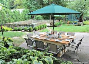 Backyard Bob by 9 Creative Ways To Build A Backyard Hangout Bobs Creative And Pools