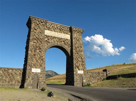 roosevelt arch roosevelt arch yellowstone np yellowstone national