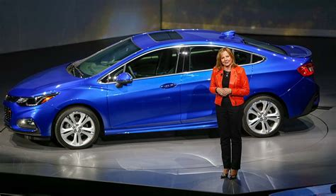 chevy goes cruze ing with new 2016 sedan