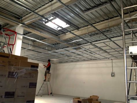 Entreprise Faux Plafond by Plafond D 233 Montable Sur Ossature Amenagement R 233 Novation De