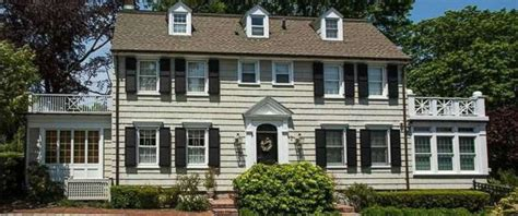 the amityville house amityville horror house on market for 850k abc news