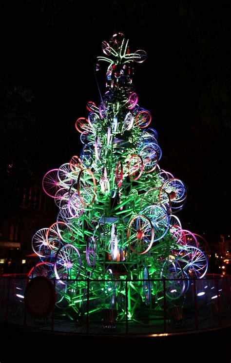 bicycle art christmas tree alberi di natale strani foto 11 37 tempo libero pourfemme
