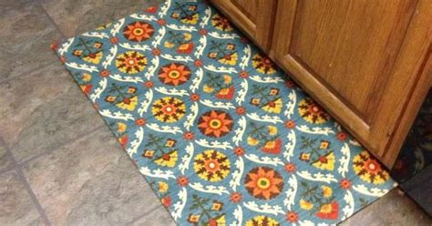 Diy Kitchen Rug No Sew Diy Kitchen Rug I Made It Sewing Diy Sewing Projects And Sewing Ideas