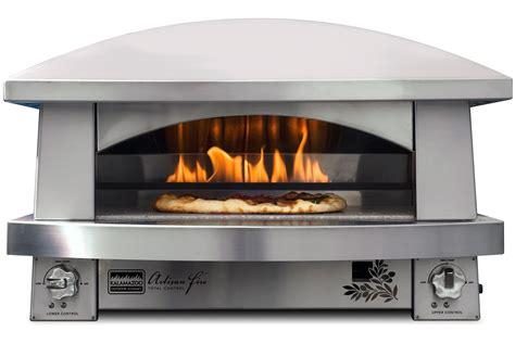 the kalamazoo outdoor pizza oven gear patrol
