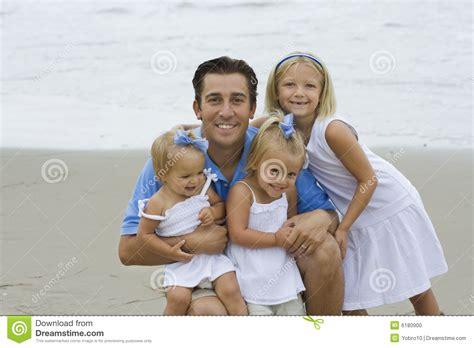 cojiendo con padre y hija padre e hijas foto de archivo imagen de alegre feliz