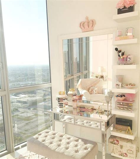 Makeup Room Decor 25 Best Ideas About Makeup Room Decor On Pinterest Dressing Room Decor Diy Dressing Tables