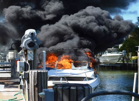house boat explodes boat explodes in royal harbour community
