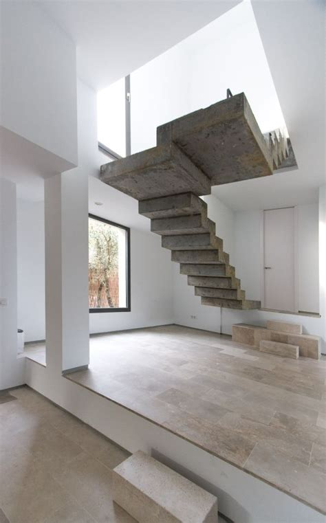 desain model tangga kayu  besi minimalis modern