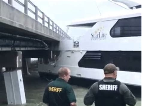 yacht hits boat yacht escapes during hurricane irma hits bridge video