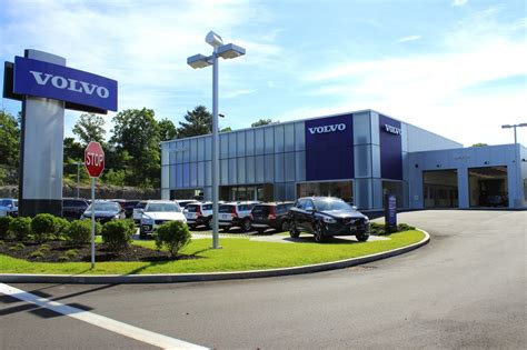 herb chambers volvo cars norwood    reviews car dealers  providence hwy