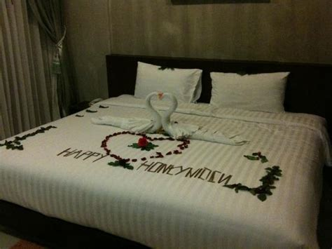 honeymoon bed honeymoon bed decoration picture of phu nana boutique