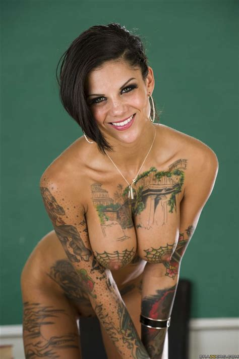 Bonnie Rotten Gets Her Ass Stuffed On A School Desk Picture