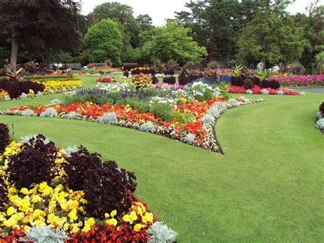 aiuola giardino aiuole giardino tipi di giardini