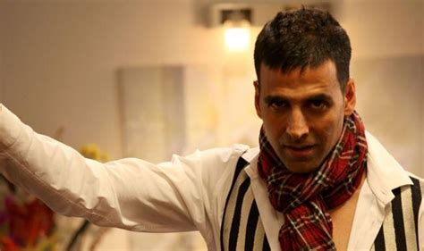 akshay kumar in white highlited hair style pic akshay kumar short hair look wallpapers top 5 most popular
