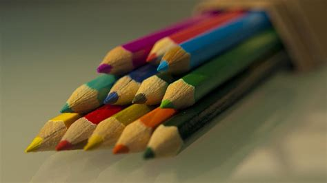 how many colors are there in the world how many colors are there in the world reference