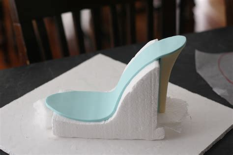 edible high heel shoe garter cake mcgreevy cakes