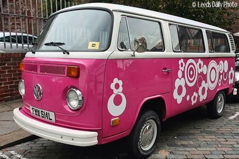volkswagen cer pink pink vw van