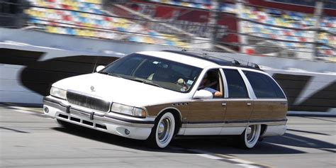 buick roadmaster wagon 1992 buick roadmaster wagon pictures information and