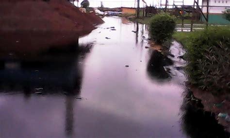 Minyak Kotor Kelapa Sawit warga resah kolam limbah pt hsj diduga pecah