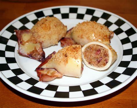 come cucinare i totani al forno totani al forno ripieni di patate e pecorino la cucina