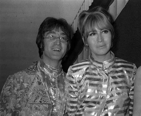 imagenes de john lennon con su esposa la ambigua sonrisa de cynthia la abandonada mujer de