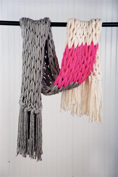 how to arm knit a scarf beautiful arm knitting tutorials u create