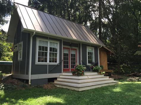 tiny house vacation home 7 adorable tiny houses for your next vacation getaway